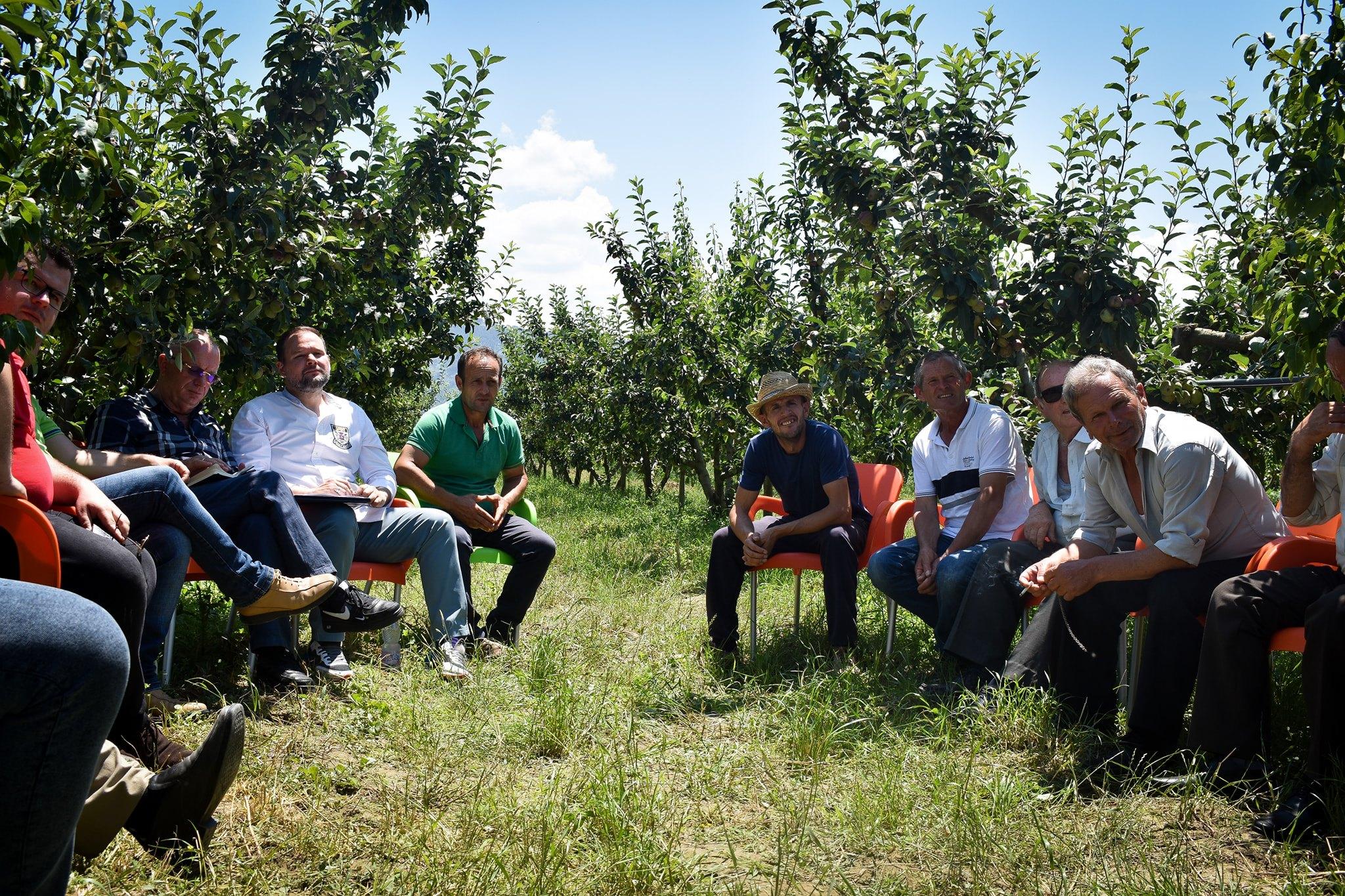 Berat/ Demo takim me fermerët: Përmirësim i infrastrukturës së zonave bujqësore