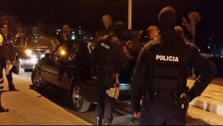 Berat/ Plagosja e 33-vjeçarit të sapokthyer nga Anglia, policia zbardh ngjarjen: Arrestohen dy persona, shpallen në kërkim 4 të tjerë