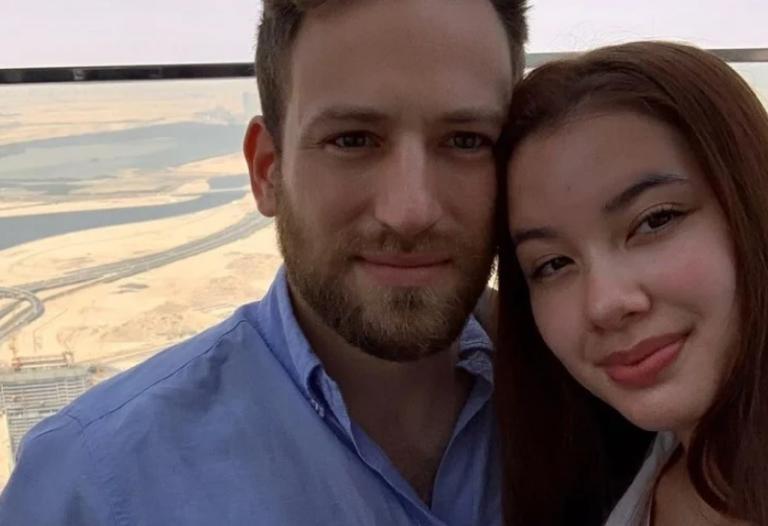 Të shoqen 20 vjeçe e vrau me duart e tij! Pas 41 ditësh hetime, piloti grek pranon krimin
