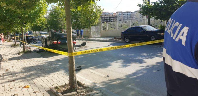 Kush është i riu që nuk iu bind postbllokut të policisë dhe përfundoi i përmbysur me makinë në mes të Vlorës, dyshohej se në mjet kishte…