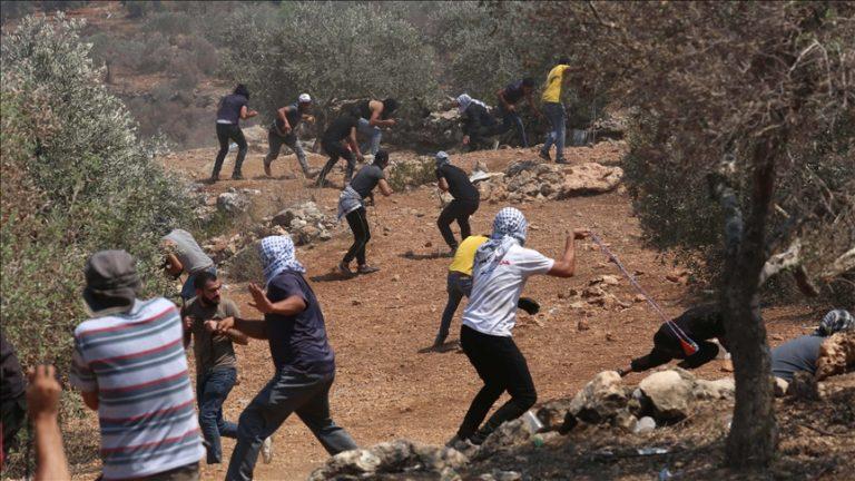 Dhjetëra palestinezë plagosen nga intervenimi i forcave izraelite në protestat në Bregun Perëndimor