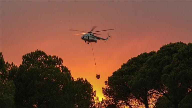 Vazhdon ndërhyrja ajrore dhe tokësore ndaj zjarreve në pyjet në Manavgat dhe Akseki