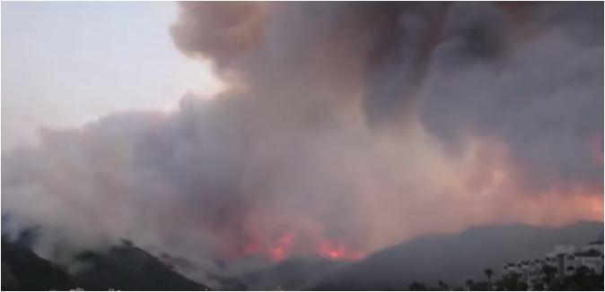 Zjarret e shumta kanë 'mbirë' në Turqinë Jugore, rritet bilanci i viktimave, flakët përpijnë dy zjarrfikës