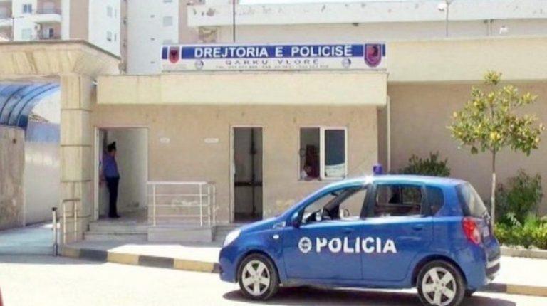Policia e Vlorës ndëshkon pronarin e lokalit për thyerje të orës policore. Në pranga 2 persona për vepra të ndryshme