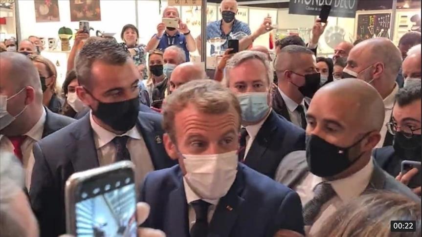 Macron90.jpg