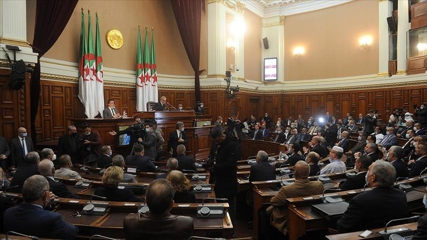 Parlamenti-i-Algjerise.jpg