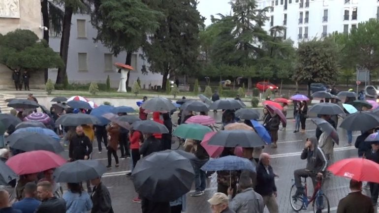 Protesta-ne-Tirane-770x433-1.jpg